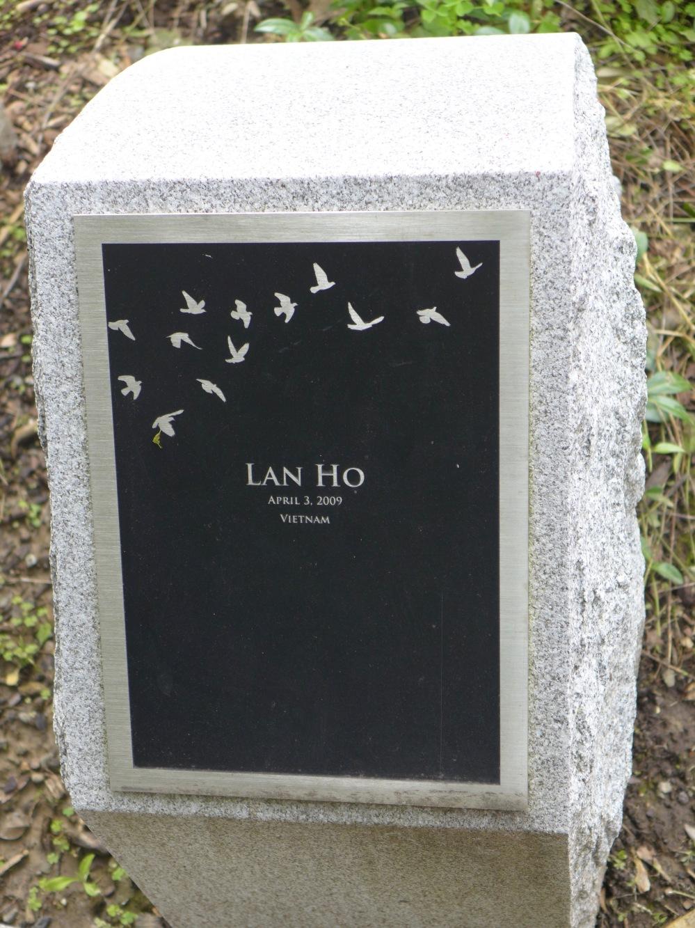 Memorial stone: Lan Ho / Vietnam